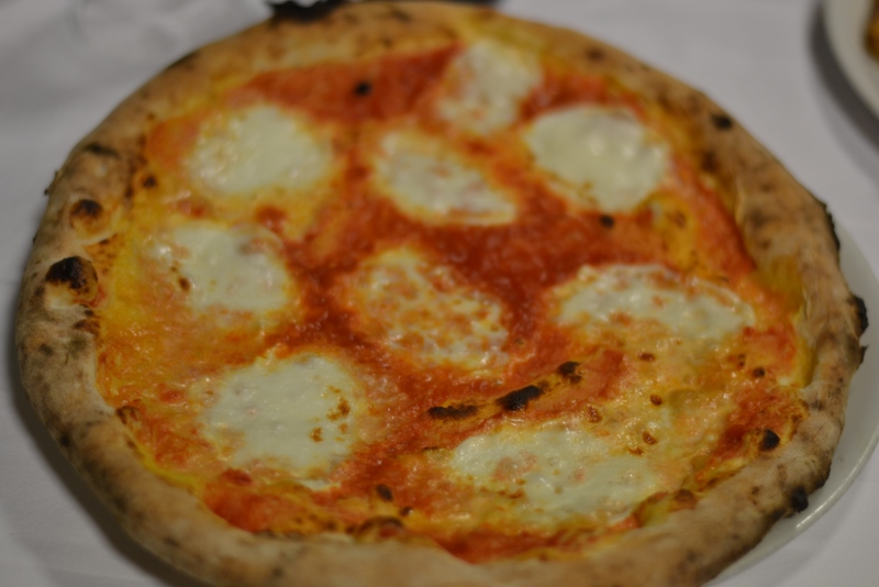Pizza Margherita - Pizzeria La Terrazza di Mercato San Severino ...