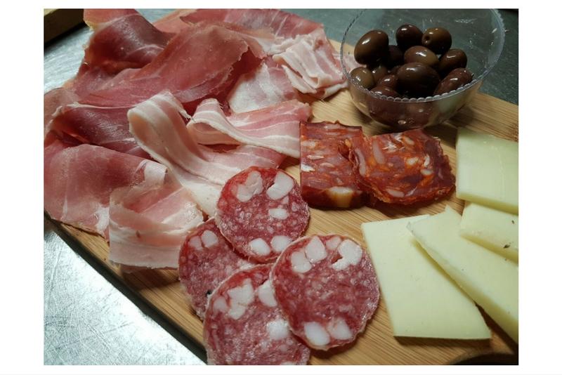 tagliere-salumi-e-formaggi-la-terrazza-trattoria-mercato-san ...