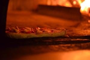 la-terrazza-pizzeria-mercato-san-severino-pizza-in-forno