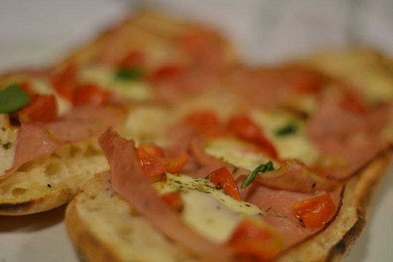 ristorante-la-terrazza-bruschetta-prosciutto